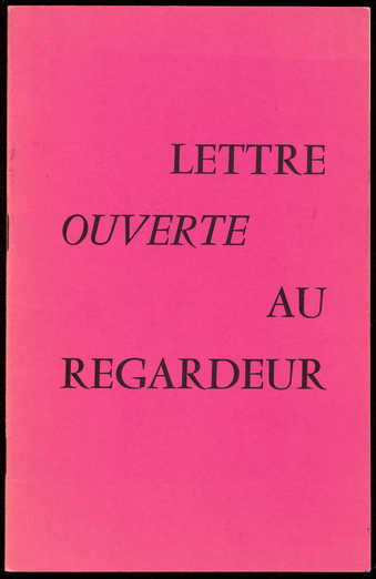 A booklet with a pink and black cover.  The text is in French.